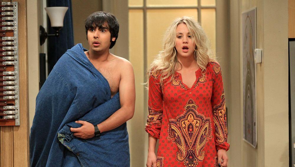 Kunal Nayyar y Kaley Cuoco como Raj y Penny en 'The Big Bang Theory'