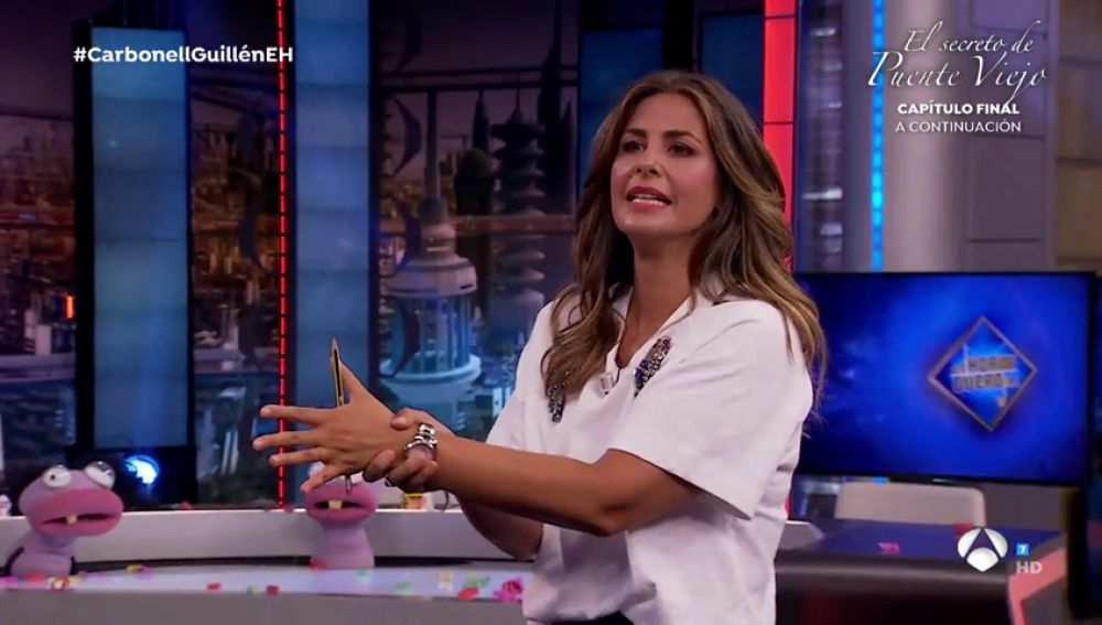 Nuria Roca sorprende en 'El Hormiguero 3.0' haciendo levitar un lápiz