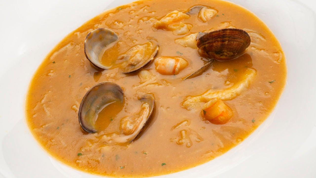 La Receta De Karlos Arguiñano Con La Que Conseguirás Un 10 Sopa De Pescado Con Fideos