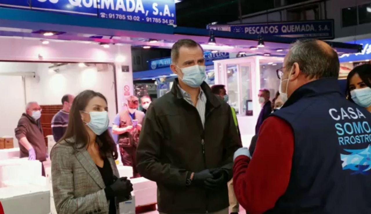 Los Reyes vistan Mercamadrid y agradecen la labor de los trabajadores durante la crisis del coronavirus