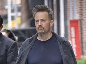 Matthew Perry captado en la calle