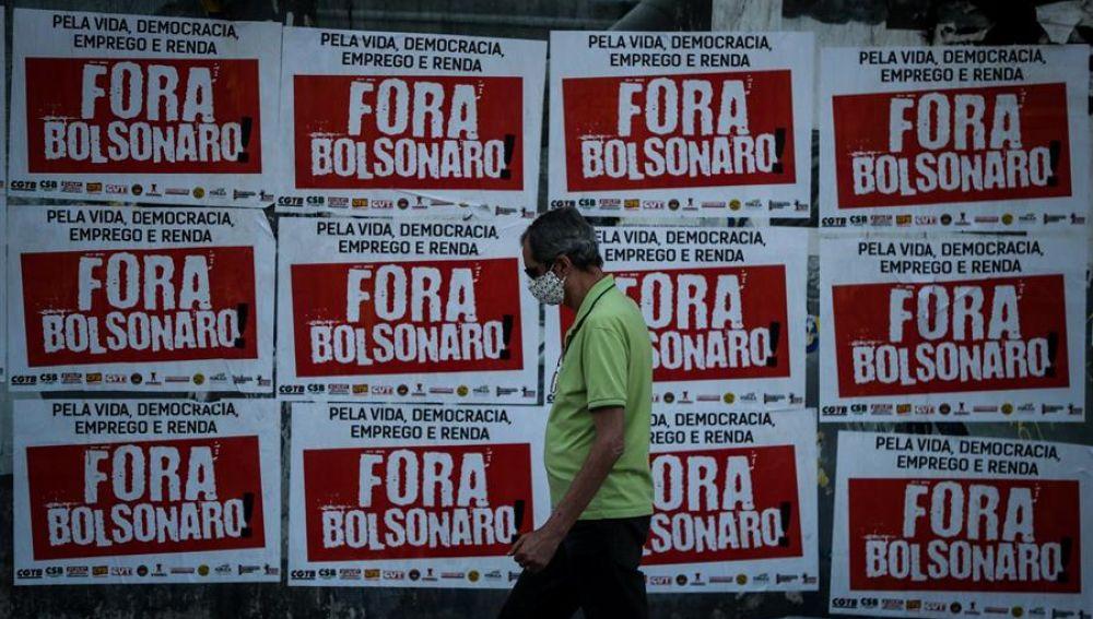 Récord de muertos diarios por coronavirus en Brasil