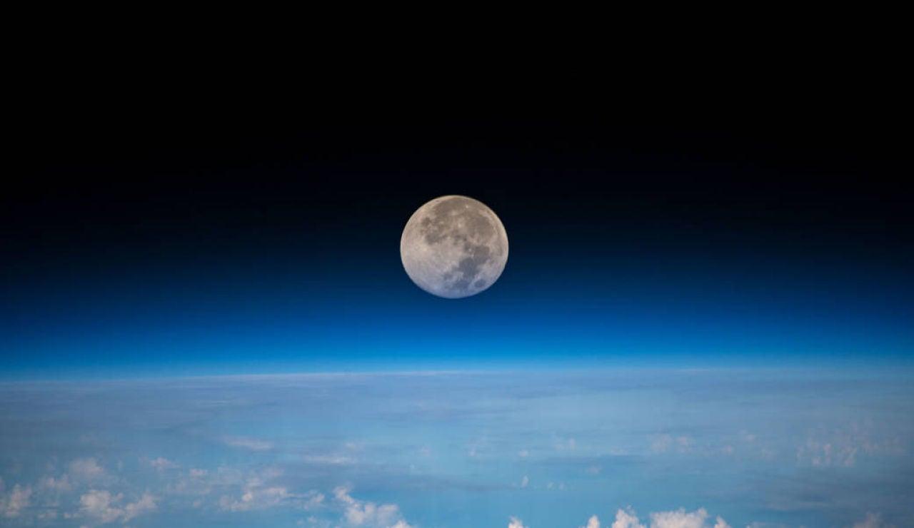 La Luna vista desde la Estación Espacial Internacional