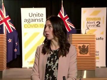 Un terremoto sorprende a la primera ministra neozelandesa Jacinta Ardern en plena entrevista