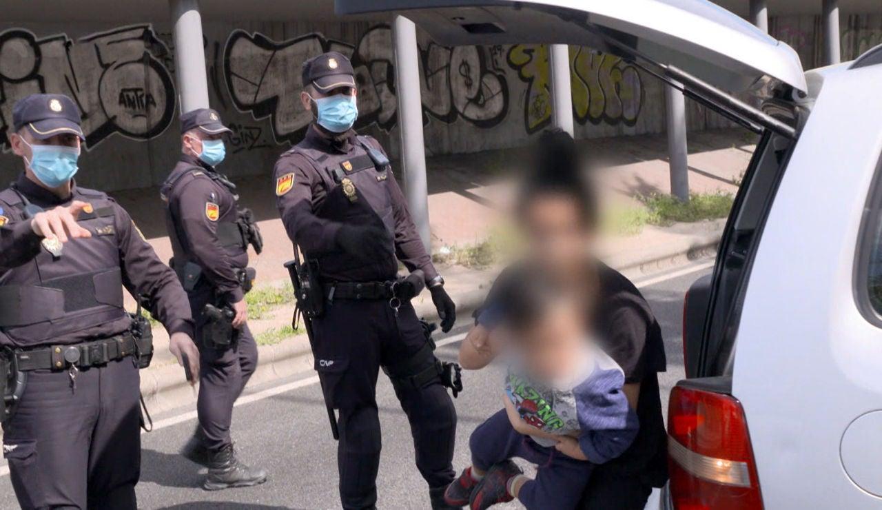 Transportistas de droga y personas ocultas en maleteros, los casos más extremos de los controles policiales