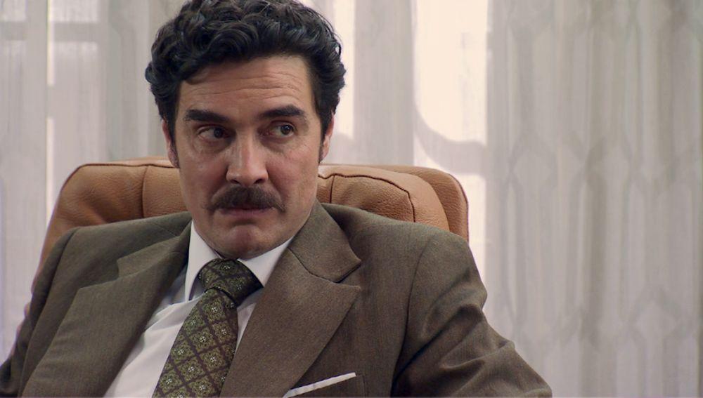 Armando, saca todas sus armas para destrozar a Guillermo