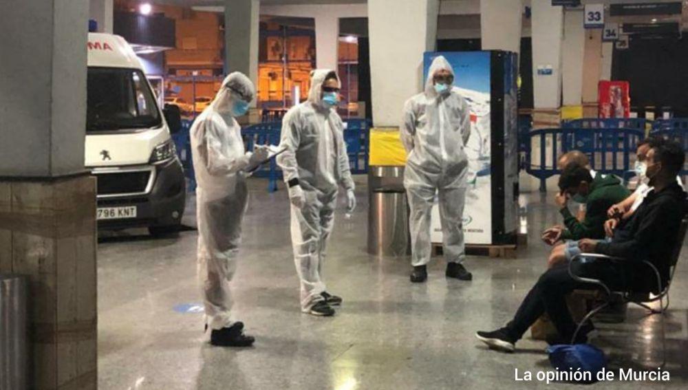 Operación de la Policía para interceptar a cuatro sospechosos de coronavirus fugados en Murcia