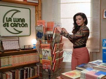 Amelia Ledesma en 'La luna de cartón', su nueva librería