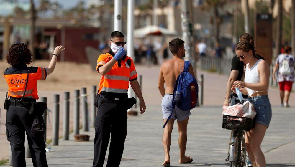 Agentes cívicos en Barcelona
