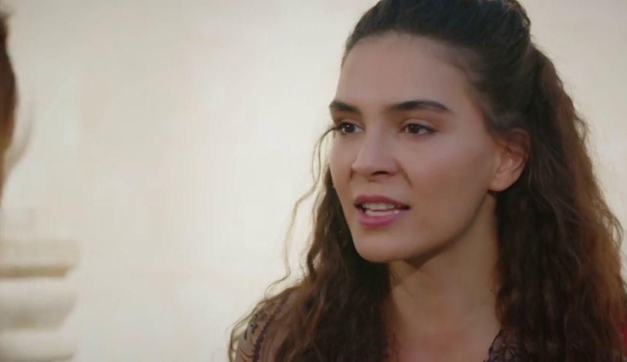 Reyyan se enfrenta a los Aslanbey por Melike