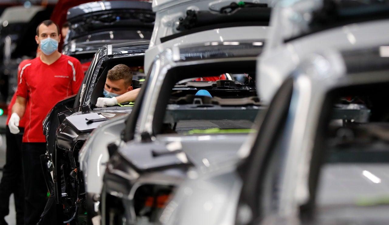 Imagen de archivo de una fábrica de coches