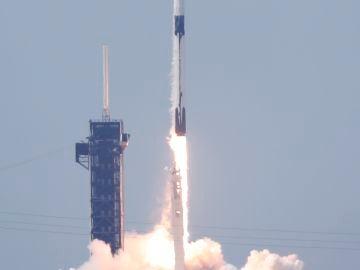 Así ha sido el lanzamiento de la misión de SpaceX y la NASA rumbo a la Estación Espacial Internacional