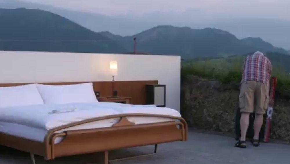 Viajes virtuales o una cama solitaria en los Alpes, las opciones turísticas más 'seguras' contra el coronavirus