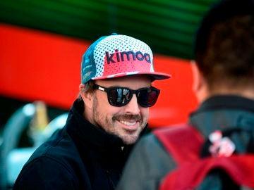 Fernando Alonso, sonriente