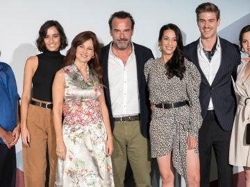 Los actores de la última temporada de 'El secreto de Puente Viejo' en el FesTVal de Vitoria
