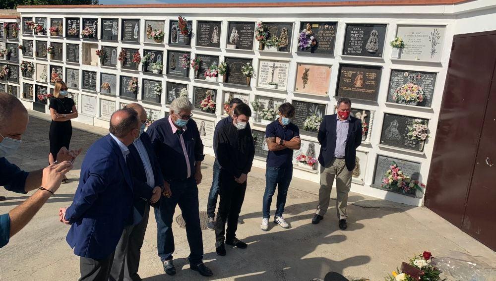 El homenaje del padre de Reyes, Sevilla FC y Utrera CD un año después de su muerte
