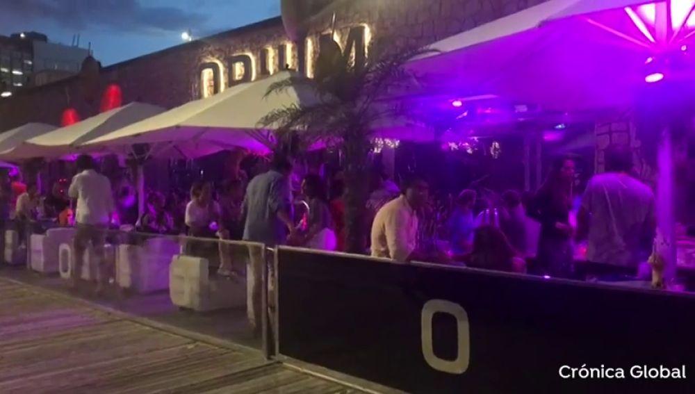 Una discoteca de Barcelona celebra una fiesta multitudinaria en plena pandemia por el coronavirus