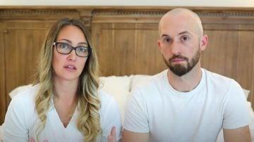 Dos youtubers devuelve a su hijo adoptivo con autismo al no poder cubrir sus necesidades