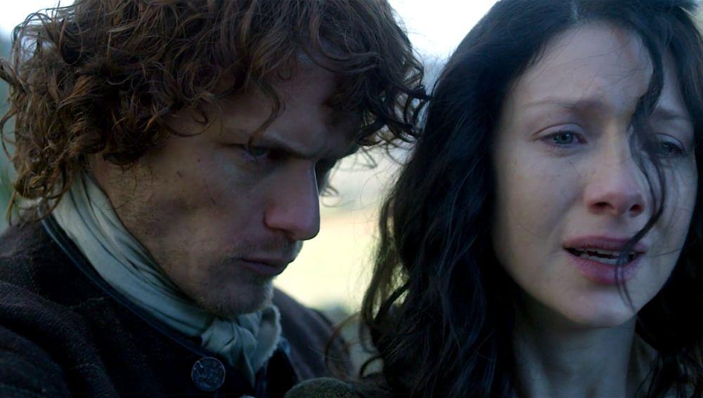 Caitriona Balfe y Sam Heughan como Calire y Jamie Fraser en 'Outlander'