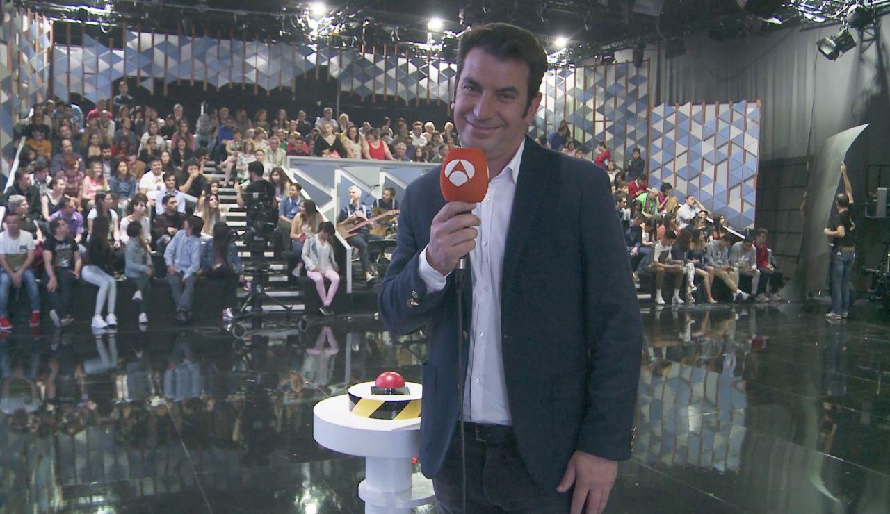 """Arturo Valls en la aventura de 'Improvisando': """"Cada vez me cuesta más justificar la frase 'me voy a trabajar'"""""""