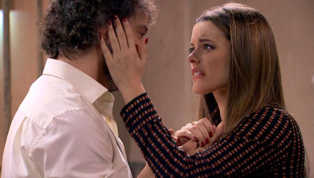 Lourdes visita a Guillermo a la cárcel