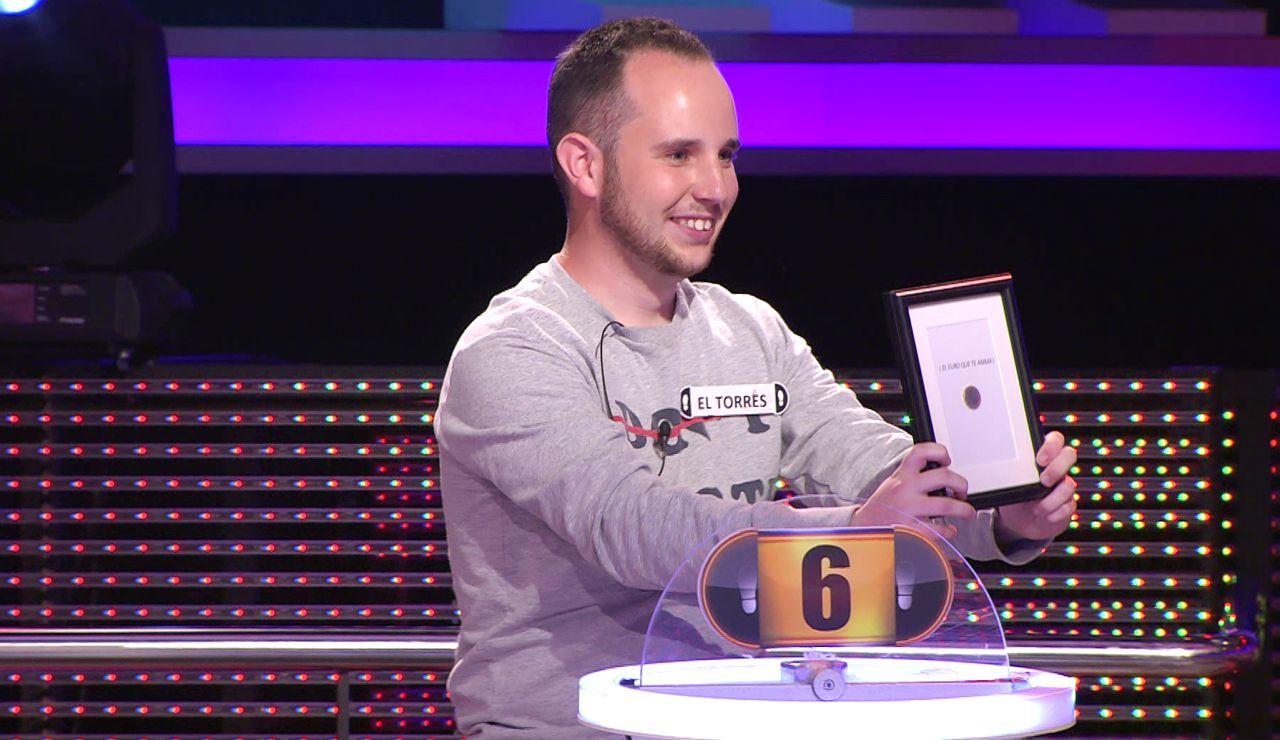 ¡Qué bonito! El Torres, emocionado al recoger un premio muy especial de '¡Ahora caigo!'