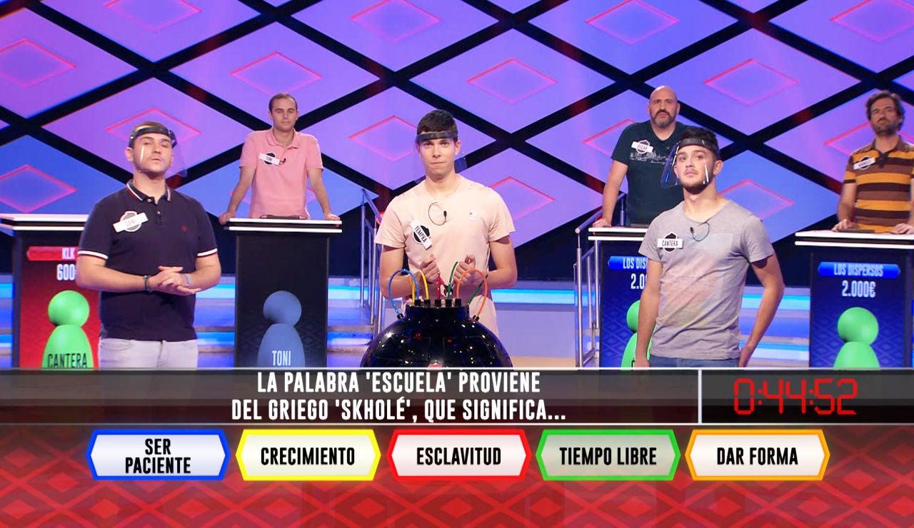 La curiosa etimología de la palabra 'escuela' rompe los sueños del equipo 'KLK'