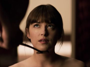 Dakota Johnson como Anastasia en 'Cincuenta sombras'