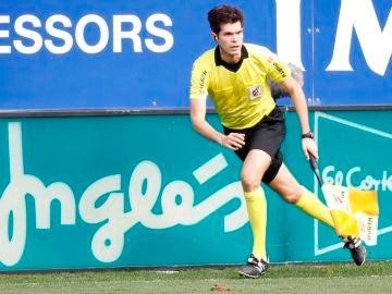 César Noval, durante un partido en Ipurúa