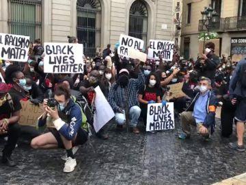 Más de 3.000 personas se concentran en Barcelona contra el racismo y en repulsa por el asesinato de George Floyd