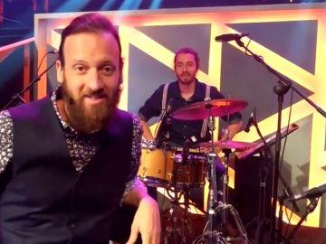 Edu Soto nos presenta a su gran banda Delaroom con la que toca en directo en 'Improvisando'