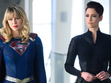 Melissa Benoist y Chyler Leigh en 'Supergirl'