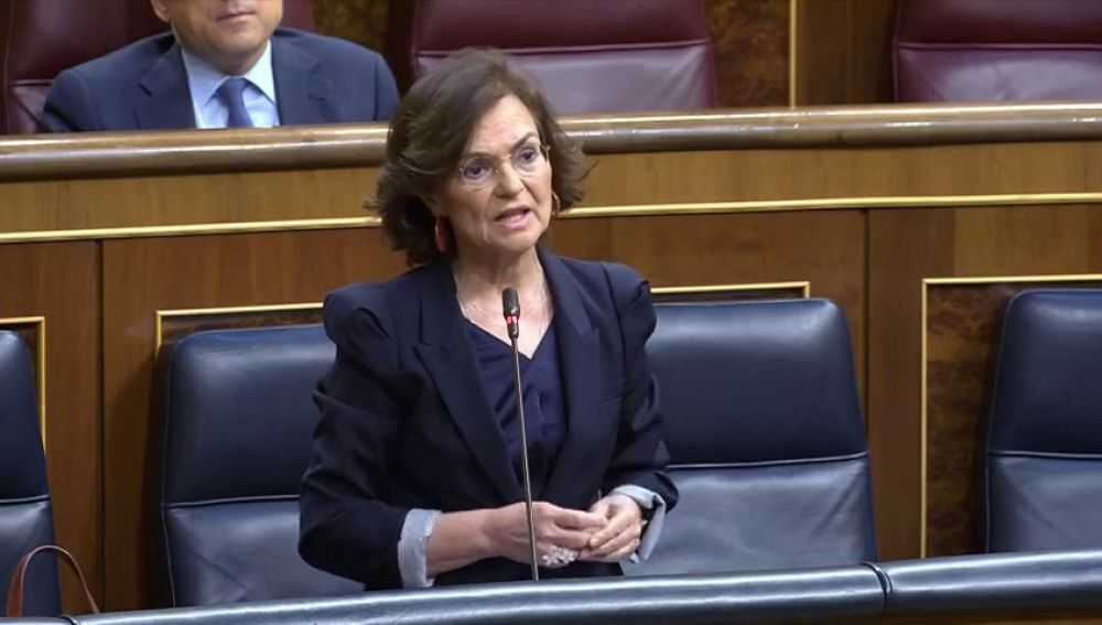Carmen Calvo invita a un café a Cayetana Álvarez de Toledo tras pedirle explicaciones por implicarles en un golpe de Estado