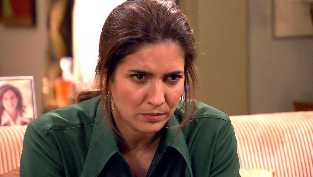 El discurso político de Armando en televisión enfurece a Irene
