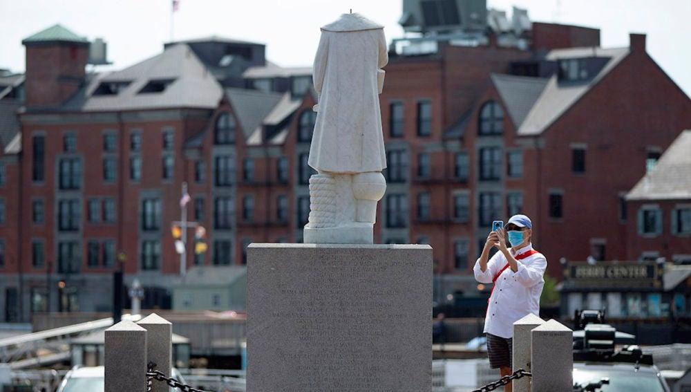 Atacan dos estatuas de Cristóbal Colón en Estados Unidos