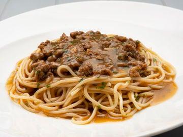 Receta de espaguetis con salsa española, de Karlos Arguiñano