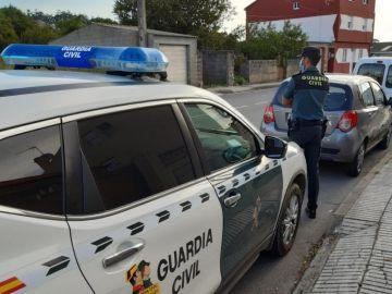 Una anciana detenida por rayar 17 coches en O Grove, Pontevedra