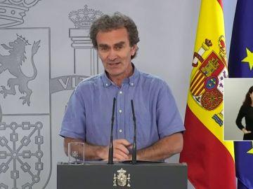 Fernando Simón agradece las cartas a sus fans que incluso hacen camisetas con su cara
