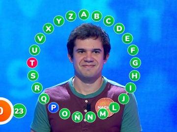 Una cómoda victoria marcada por un error hace que Nacho reafirme su impecable racha en 'Pasapalabra'