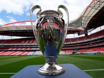 El trofeo de la Champions, en el Estadio da Luz de Lisboa