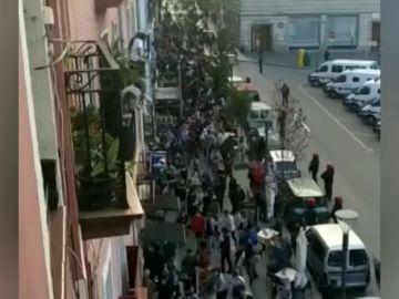 Un mitin de Vox en Bilbao termina con una batalla campal y cargas policiales