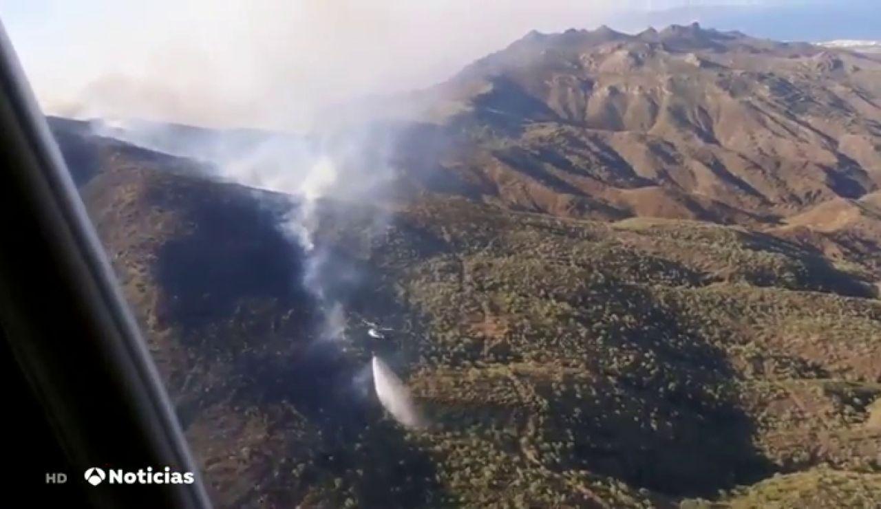 Grave incendio forestal entre los municipios de Carboneras y Mojácar, en Almería.