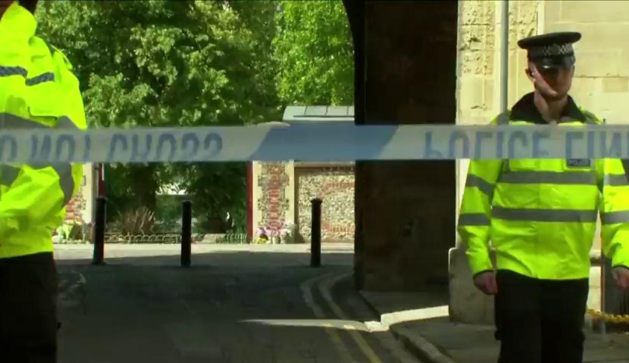 El refugiado libio que asesinó a tres personas en Reading está acusado de onde delitos