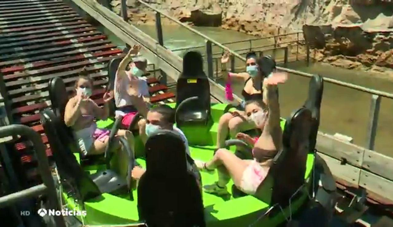 Reabren los parques de atracciones y acuáticos pero con distancia y mascarillas