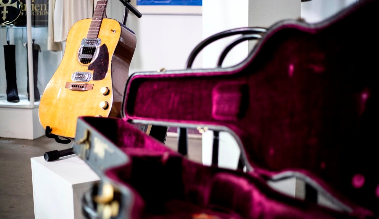 La guitarra de Kurt Cobain subastada por seis millones de euros