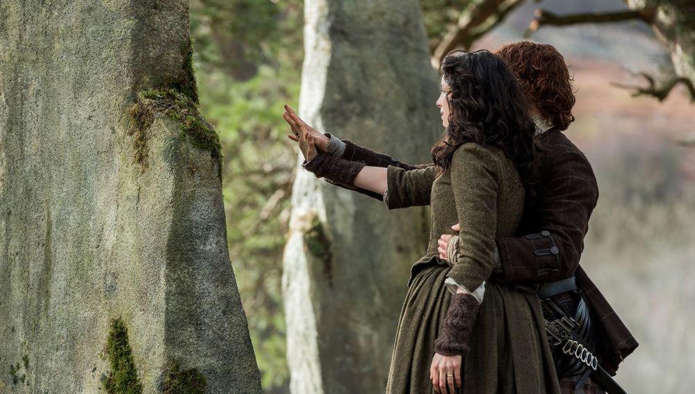 Sam Heughan y Caitriona Balfe como Jamie y Claire en 'Outlander'