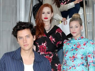'Riverdale': Madelaine Petsch, Cole Sprouse y Lili Reinhart