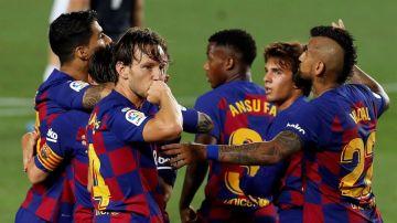 Ivan Rakitic acude al rescate contra el Athletic Club y el Barcelona mete presión al Real Madrid