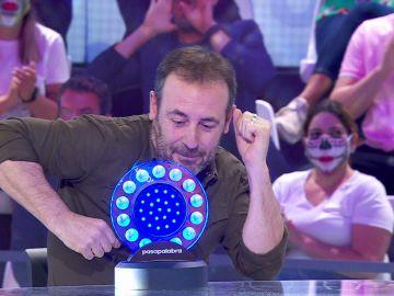 Antonio Molero le arrebata el pleno al equipo naranja al ritmo de 'Wake me up before you go-go'