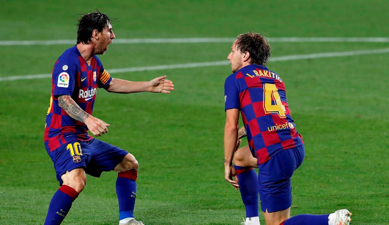 Messi y Rakitic celebran el único gol ante el Athletic
